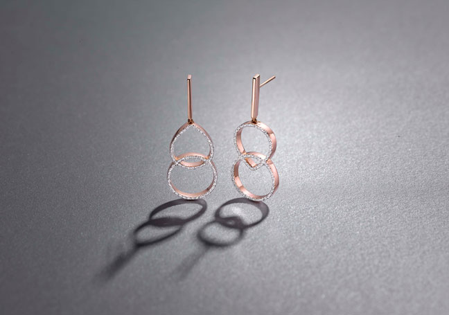 Naida Kiss Cocktail Earrings