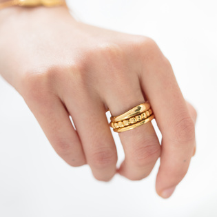 what types of rings can you stack