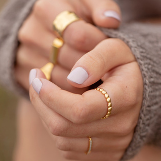 infinity rings can be unique in styles to show dedicated love