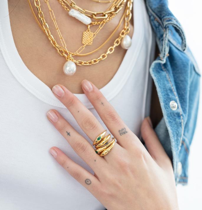Model wearing Styled Monica Vinader Jewelry Set