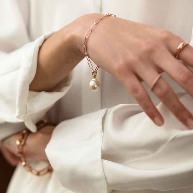 add a pendant to your meaningful bracelet to show your personality