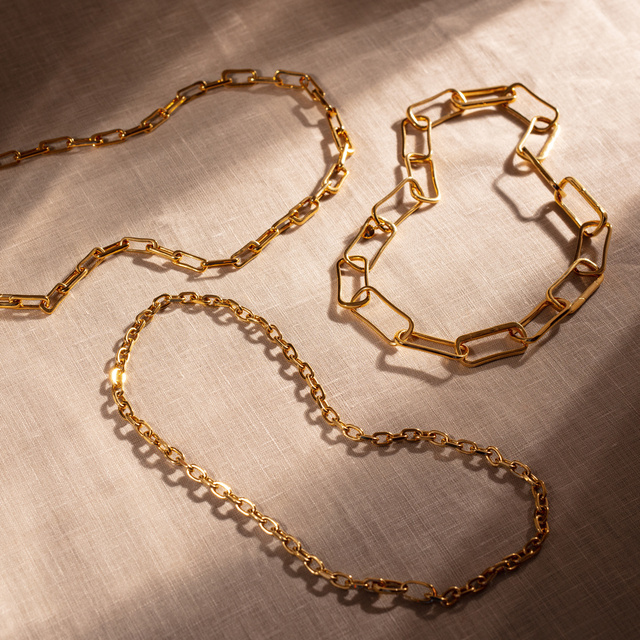 styling chain link necklaces