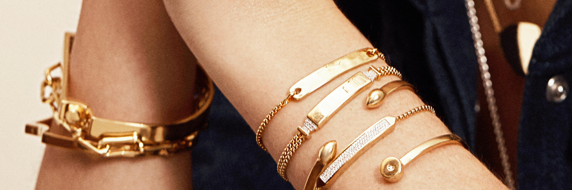 how many styles of bracelet are there?