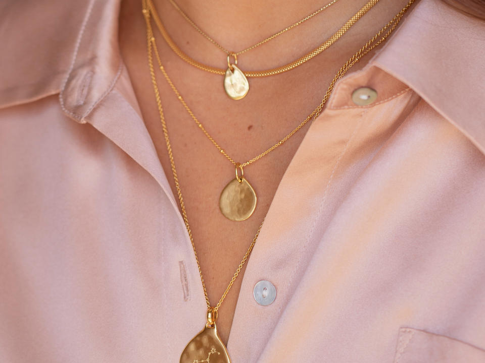 are any types of necklace engraved?