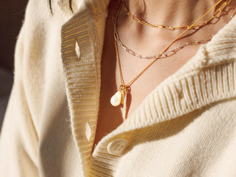 which types of necklace can I layer?