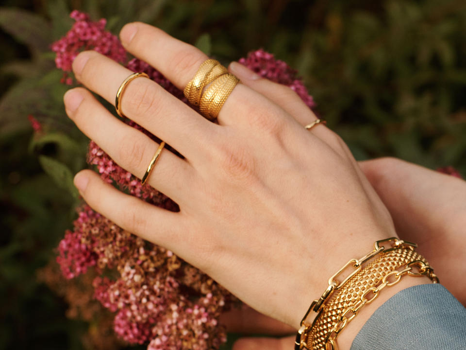 band rings are an effortless ring type