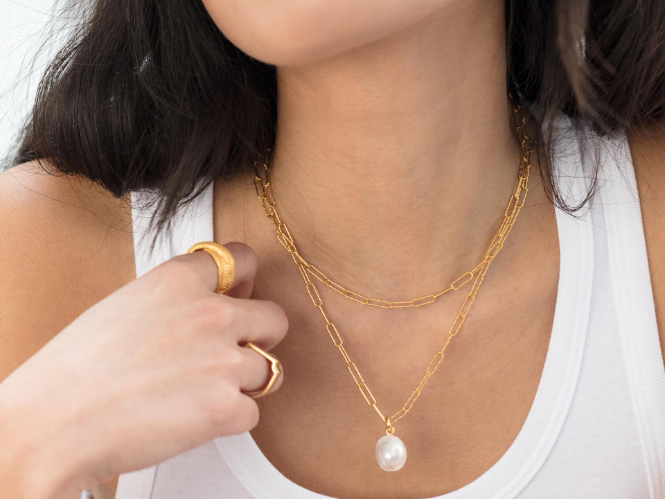 cleaning gold jewellery is easy