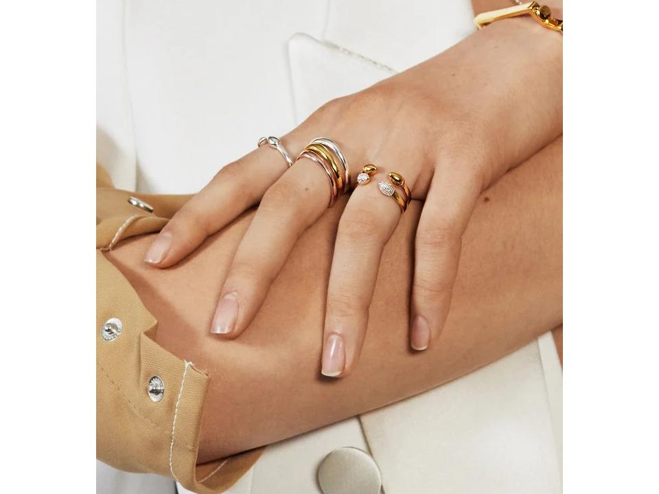 how to stack minimalist rings