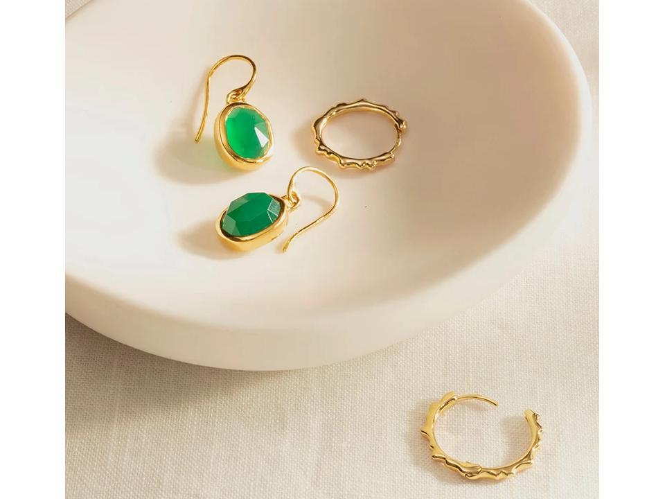 green onyx is a semi-precious gemstone