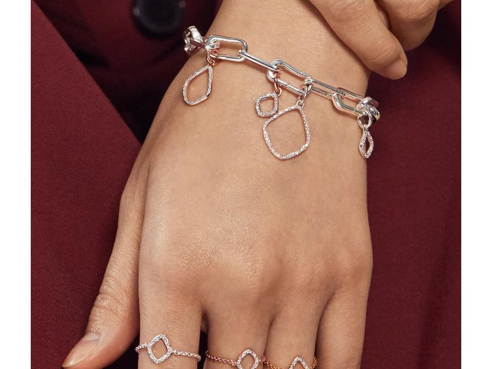 round diamonds can be added to jewelry such as bracelets