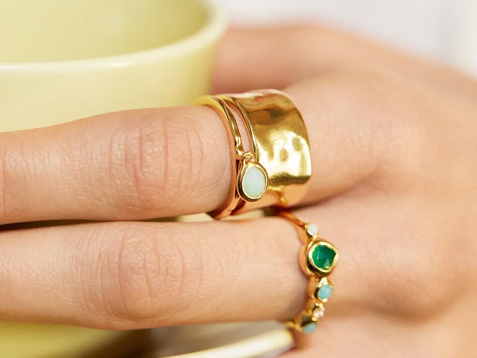 birthstones can feature in infinity rings to add more sentimental value