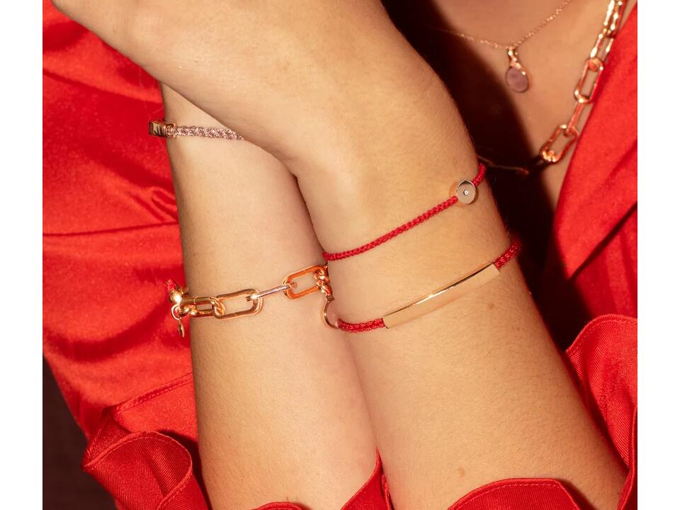 friendship bracelets can be a form of a red bracelet as they share meaning between two friends