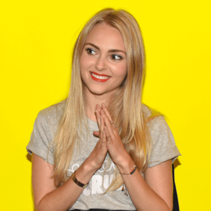AnnaSophia Robb wears Monica Vinader Ava Button and Baja Collections to a Buzzfeed event in New York