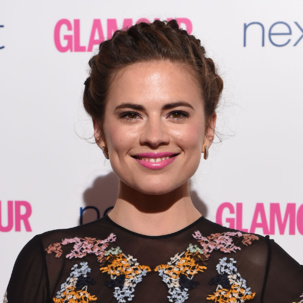 Hayley Atwell wears the Monica Vinader Baja Diamond Earrings and Rings to the 2014 Glamour Awards