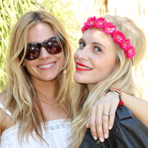 Sienna Miller's wears Monica Vinader Rio friendship bracelet in Gold Metallica at Coachella with Poppy Delevingne.