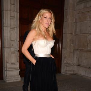 Ellie Goulding wears Monica Vinader Fiji Chain Bracelet at the Cosmopolitan Woman of the Year Awards.