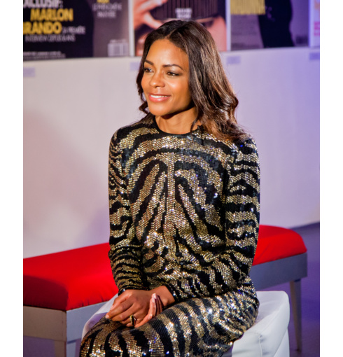 Naomie Harris wears Monica Vinader Baja Black Onyx Ring with Skinny Diamond Rings at an Elle Magazine Dubai event this week.