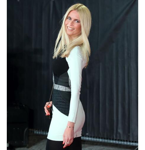 Claudia Schiffer wear Monica Vinader Atlantis Thin Cuff in Black Line Onyx to the Kingsman: The Secret Service premiere in London